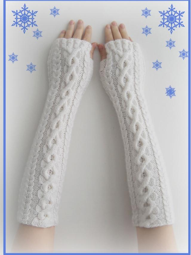 Модное вязание. Варежки с